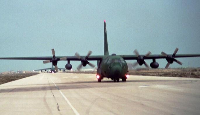 ABD'de askeri nakliye uçağı düştü
