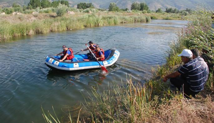 Balık tutarken kaybolan çocuk 4 dalgıçla aranmaya devam ediyor