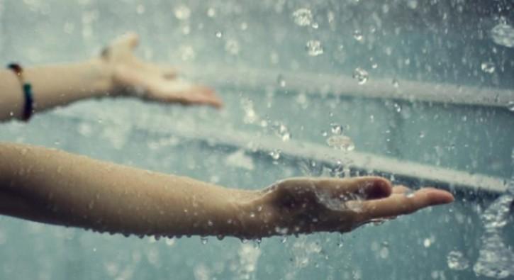 Bir bardak yağmur suyu içmek hayat kurtarır