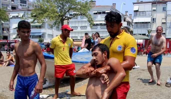 Bursa'da cankurtaranlar tatbikat yaptı, izleyenler gerçek sandı