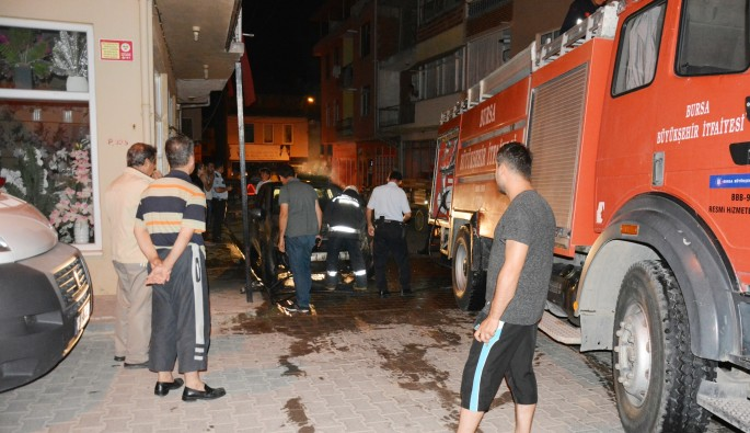 Bursa'da dört gün arayla 2 araç küle döndü