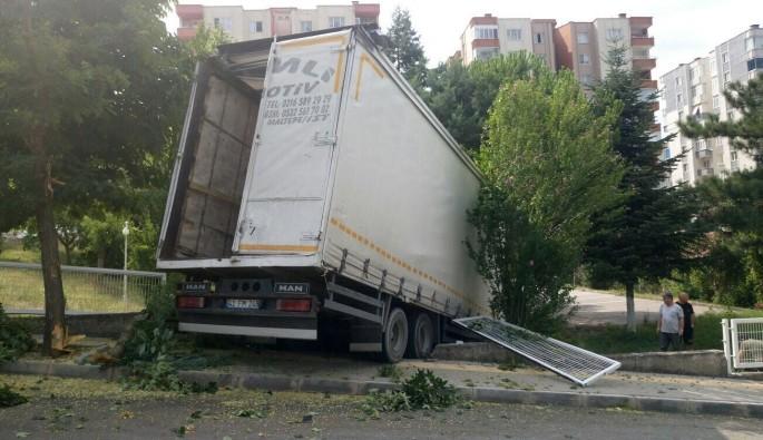 Bursa'da facia ucuz atlatıldı