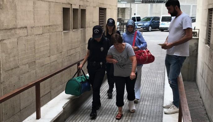 Bursa'da FETÖ şüphelisi öğretmen kaçmak için balkondan atladı