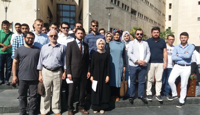 Bursa'da gençler FETÖ davalarının takipçisi olacak