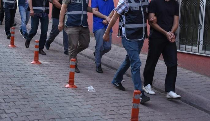 Bursa'da ihraç edilen 17 öğretmen gözaltına alındı
