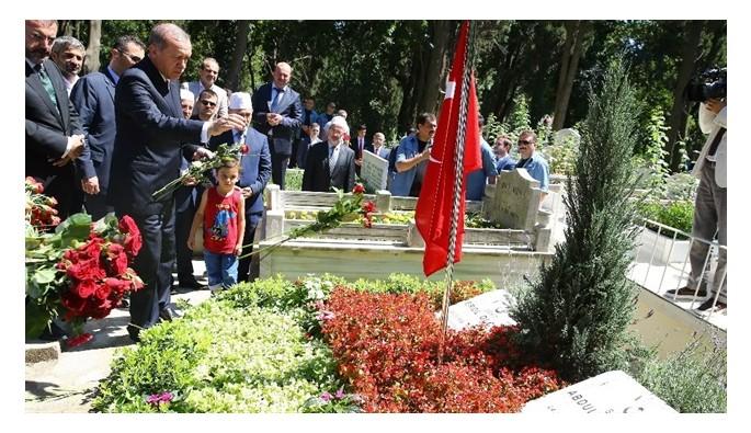 Erdoğan'dan Olçok'ların kabrine ziyaret