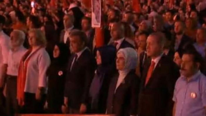 Erdoğan'ın yanında sürpriz isimler
