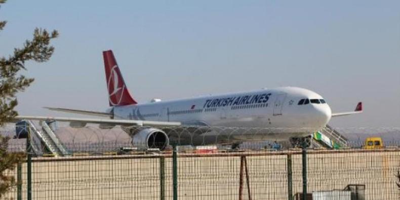 İstanbul'a İnemeyen Uçaklar, Bursa'ya Yönlendirildi