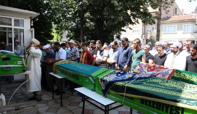 İznik Gölü'nde 4 kişinin boğularak öldüğü faciadan dram çıktı