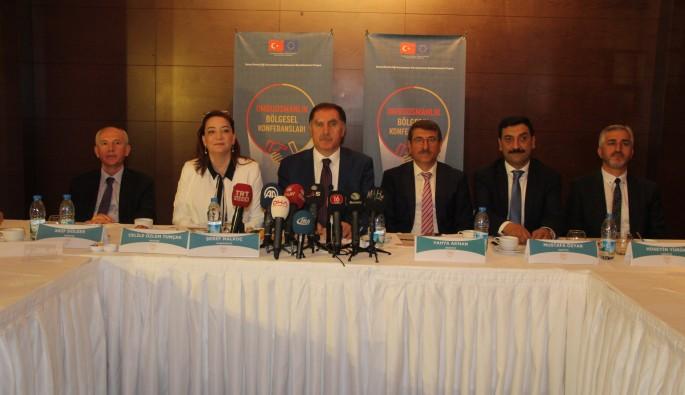Kamu Başdenetçisi Malkoç'tan Bursa'da önemli açıklamalar