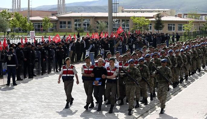 TSK'dan yaklaşık 8 bin personel ihraç edildiği açıklandı