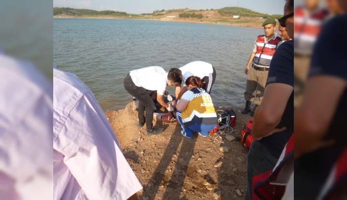 Balık tutarken düştüğü suda boğuldu