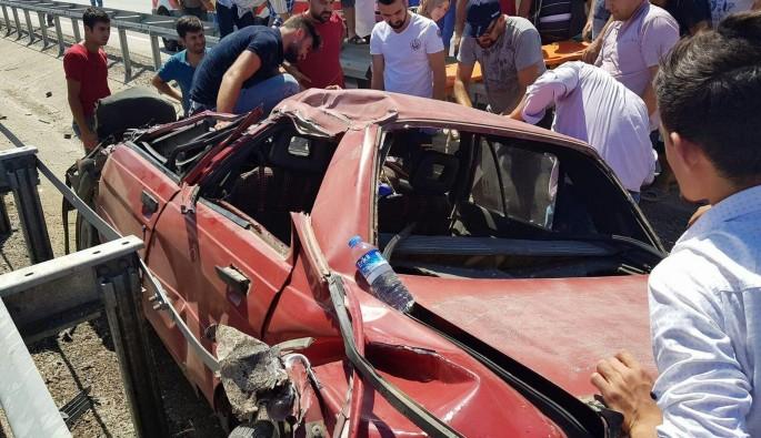 Bursa'da sıkışan sürücüye vatandaşlar yardım etti