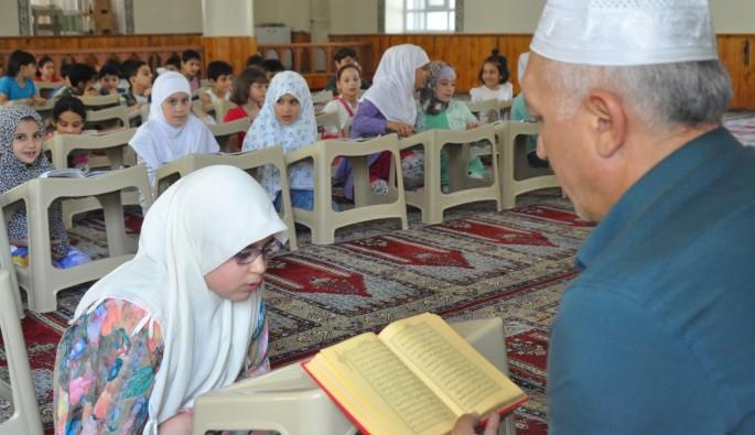 Bursa'da Suriyeli çocuklara Kur'an eğitimi