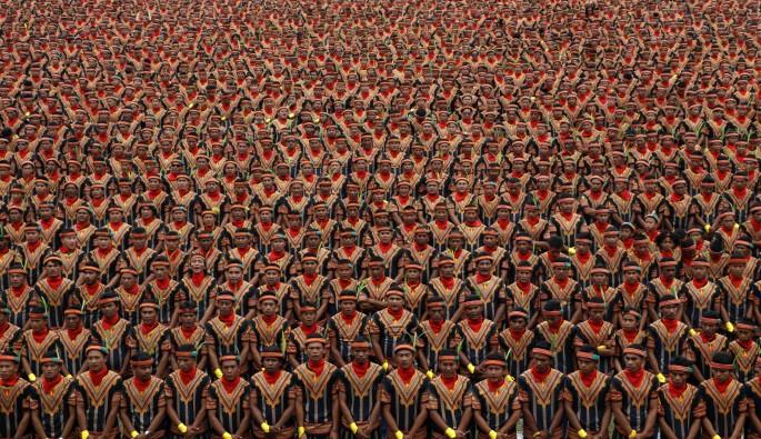 Endonezya'da saman dansına rekor katılım