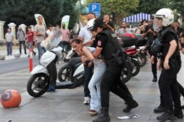 Gülmen ve Özakça'ya destek eylemine polis müdahalesi: 16 gözaltı