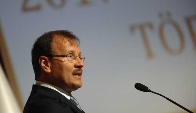"""Başbakan Yardımcısı Çavuşoğlu: """"Kafanızı bilime ve gelişmeye takın"""""""