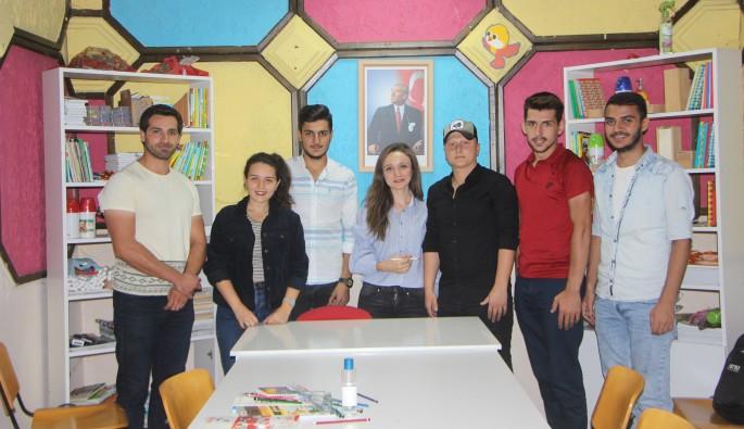 Bursa'da gönüllü gençlerden ücretsiz eğitim