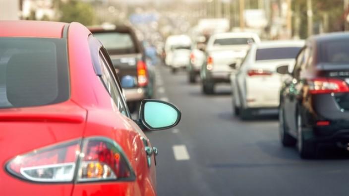Çin'de benzinli araç satışı yasaklanıyor