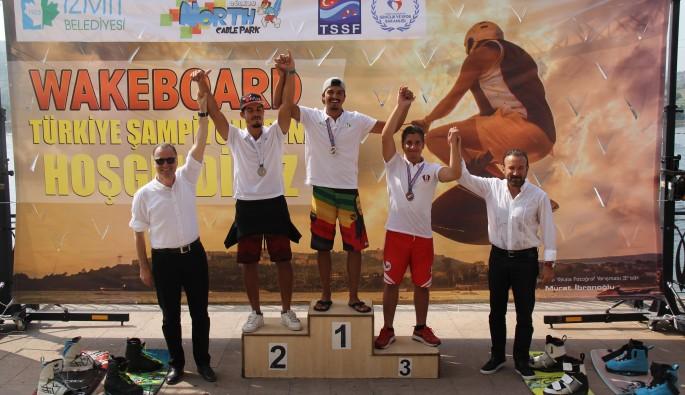 Türkiye Wakeboard Şampiyonası Kocaeli'de nefes kesti