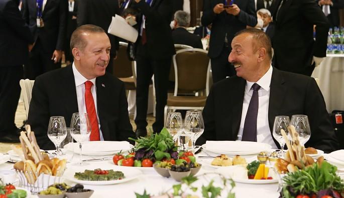 Azerbaycan'da Cumhurbaşkanı Erdoğan, onuruna yemek