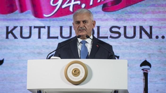 Başbakan Yıldırım: 'Ankara'yı şimdi Sivas'a bağlıyoruz'