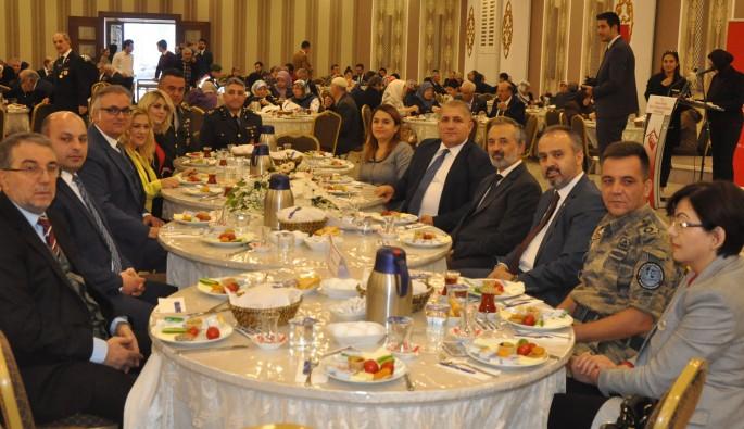 Bursa'da şehit aileleri buluşması
