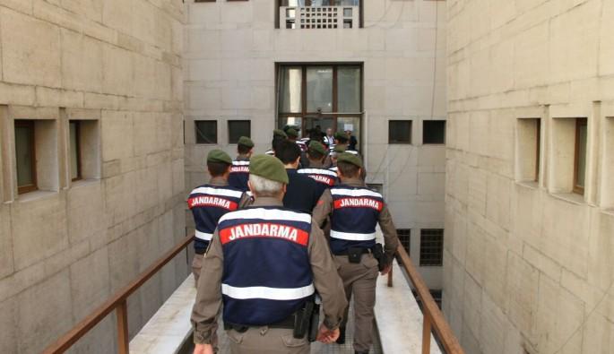 Bursa merkezli operasyonda FETÖ'cüler yakayı ele verdi