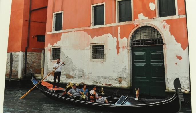 Bursalı doktor dünyayı gezerek kapıları fotoğrafladı