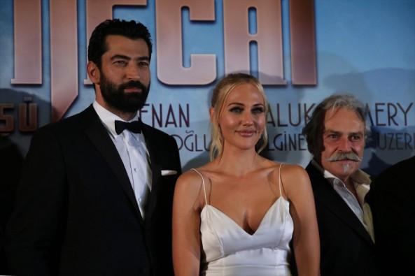 """""""Cingöz Recai""""nin Galası Yapıldı!"""