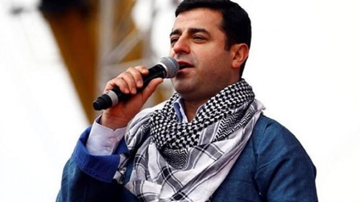 Demirtaş'ı eleştiren gazeteci ve siyasetçiye hapis cezası