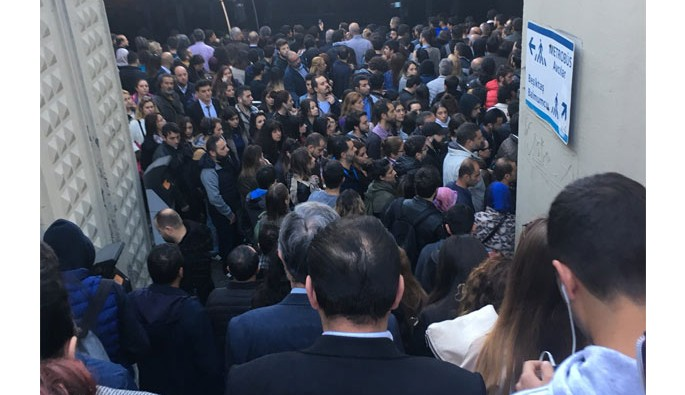 Sosyal medyada metrobüs isyanı