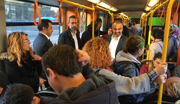 Başkan Aktaş metroda şikayet ve talepleri dinledi
