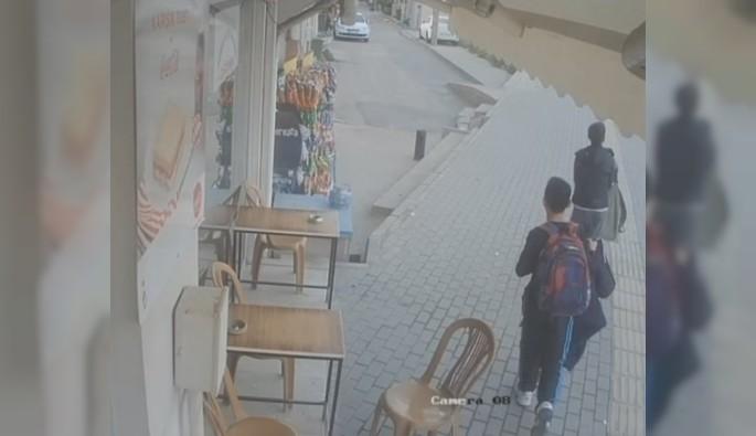 Bursa'da çocuklar okul kıyafetleriyle kahvedeki paraları çaldı