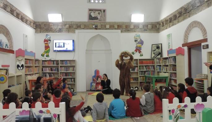 Bursa'da kütüphanelerde çocuk sesleri