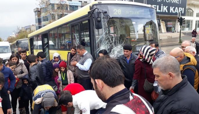 Bursa'da Mesken kavşağında kaza!