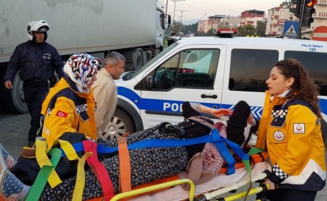 Bursa'da TIR ile otomobil çarpıştı! Yaralılar var