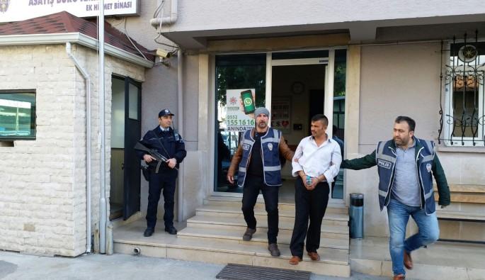 Bursa'da uyuşturucu operasyonu! Zehir taciri polisten kaçamadı