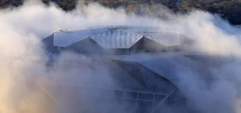 Dev stadyum dinamitle yıkıldı