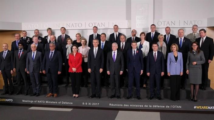 NATO'da kadın damgası