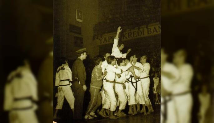 Taekwondo'nun duayeni İsmet Iraz hayatını kaybetti.