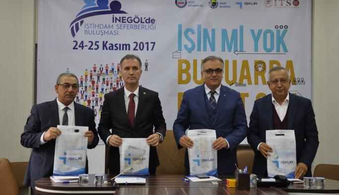 """Türkiye'de ilçeler arasında ilk! İnegöl'de """"İstihdam Fuarı"""""""