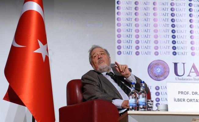 Ünlü tarihçiye Bursa'da yoğun ilgi