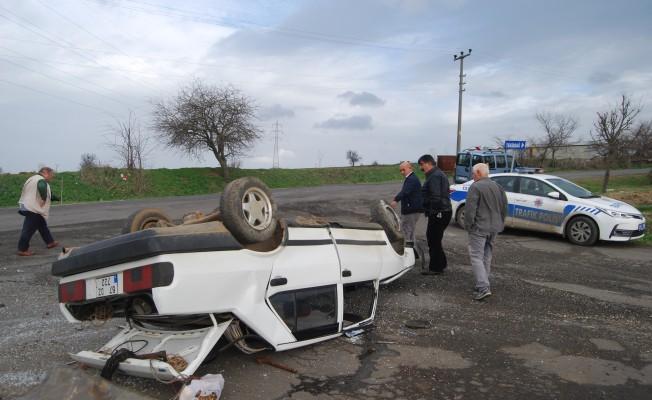 16 yaşındaki genç evden kaçırdığı otomobille kaza yaptı