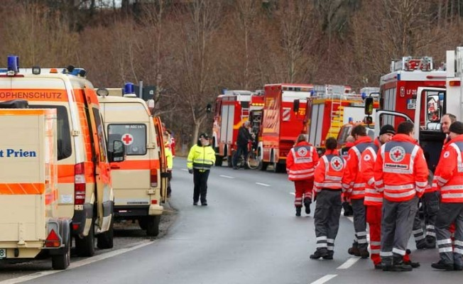 Almanya'da tren kazası: Çok sayıda yaralı var