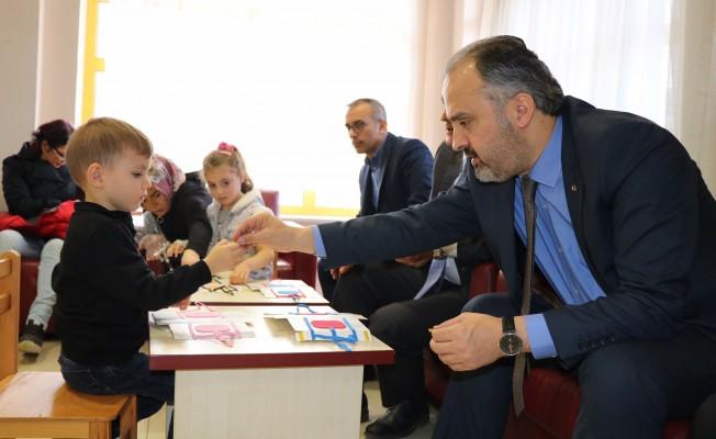 Başkan Aktaş'tan hasta çocuklara moral