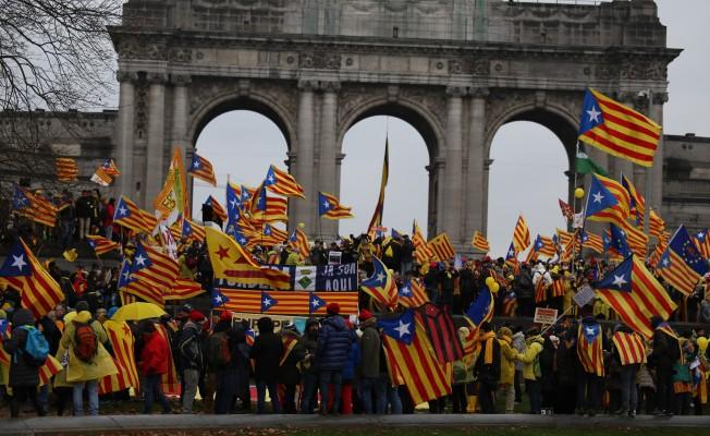 Brüksel'de 45 bin kişilik gövde gösterisi