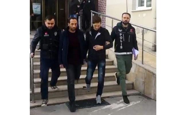 Bursa'da uyuşturucuya geçit yok! Araçlarında ve üzerlerinde...