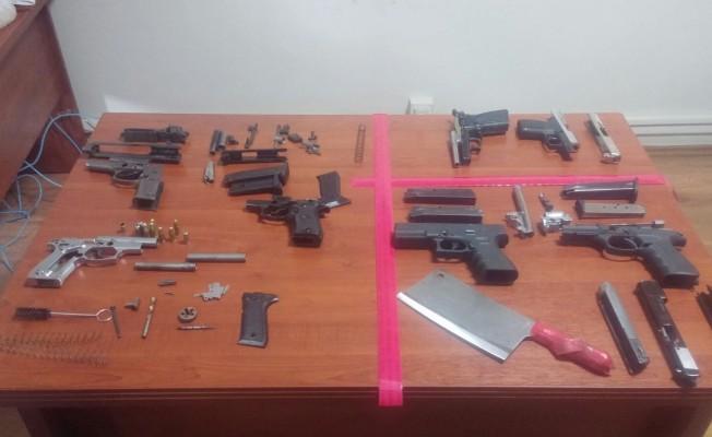 Bursa'da oto tamirhanesinde silah üretmişler