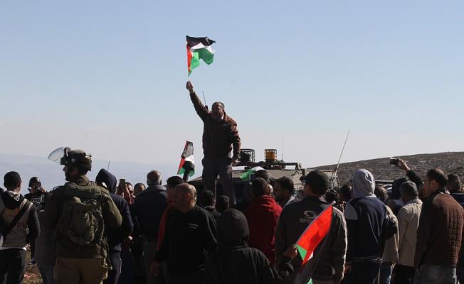 İsrail askerleri Mescid-i Aksa yakınlarında saldırıya geçti